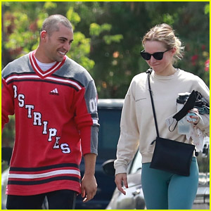 Kristen Bell & Benjamin Levy Aguilar Meet Up For Gym Session