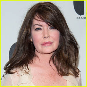 Lara Flynn Boyle Opens Up About Being a Tabloid Target in Rare Interview