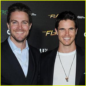 Stephen & Robbie Amell to Reunite for 'Code 8' Sequel!