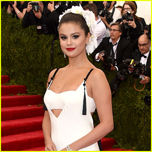 Selena Gomez Reveals How She Really Felt About Her Look at Met Gala 2015