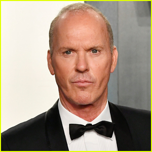 'The Flash' Director Teases Michael Keaton's New Batman Suit!