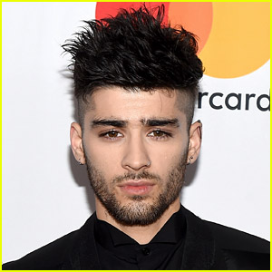 Shirtless Zayn Malik Appears to Get Into Confrontation Outside NYC Bar